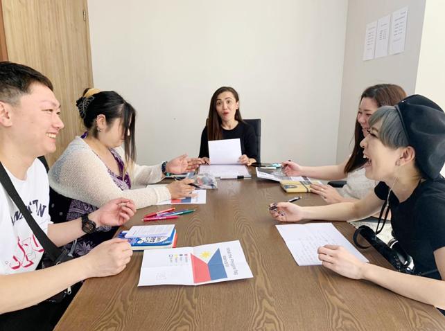 短期集中で実践的英語を習得成果が出る独自プログラム
